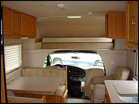 What Size Generator For Rv >> Winnebago Chalet | Quality Used Motor Homes from Gold RV